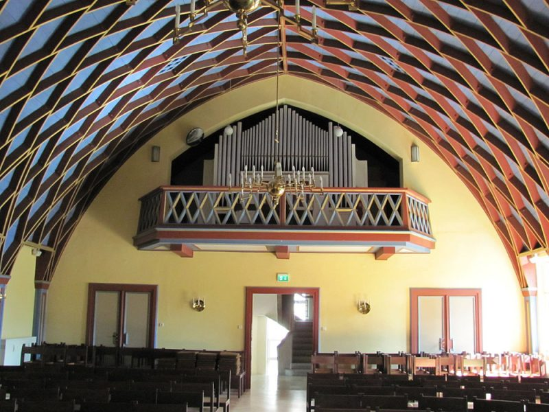 Innenansicht eines Zollinger-Dachs. Radebeul Luthersaal Orgelempore. Foto: ©Radobyl/CC BY-SA 3.0/Creative Commons