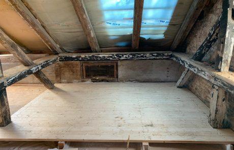 Sanierung vom Dachgeschoss mit EInbau einer Loggia