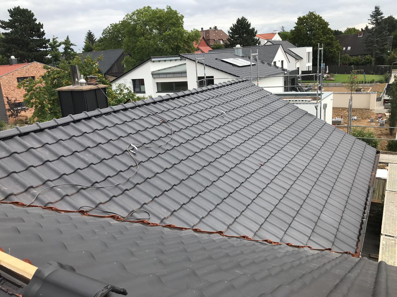 Modernes Dach in Grau