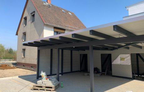 Dachdecker bauen auch Carports