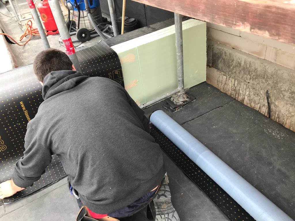 Gefälledämmung und Dachentwässerung von Dachdeckerei Marske.