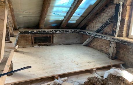 Ausbau des Dachgeschosses mit Loggia