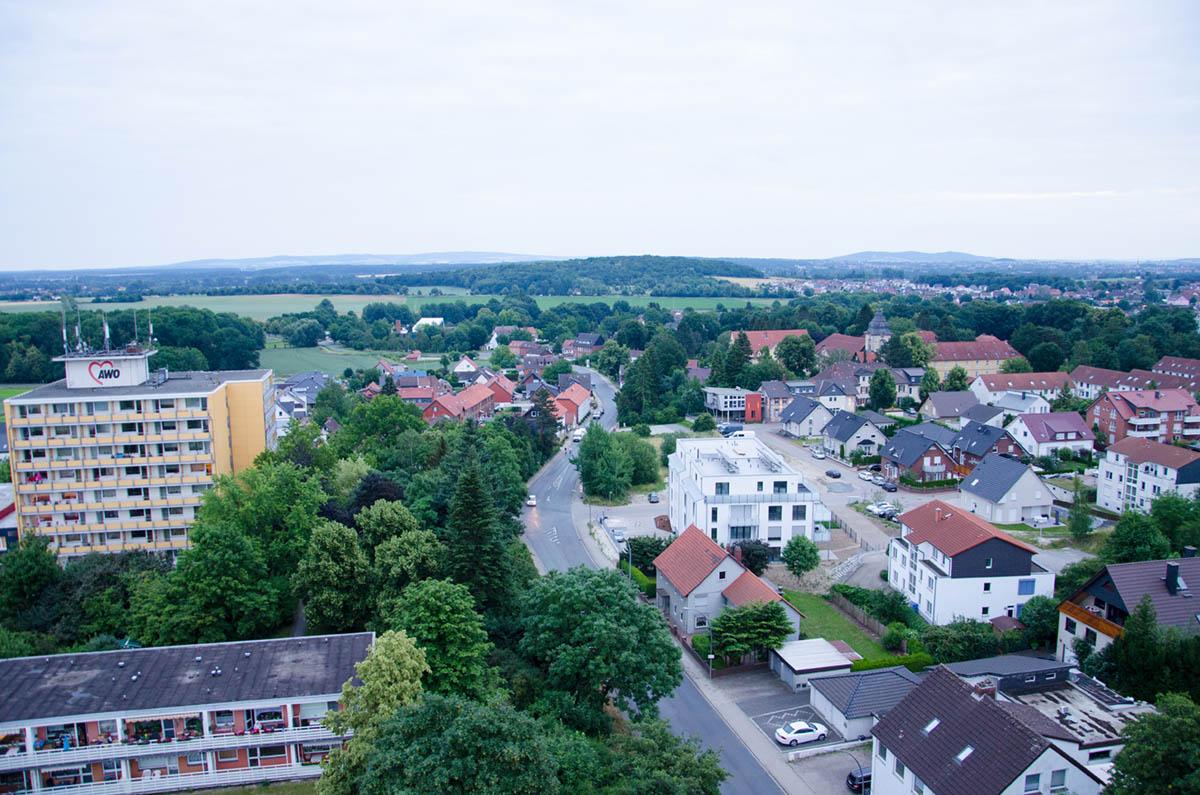 Ausblick vom Kran auf Salzgitter-Thiede aus rund 30 Meter Höhe.