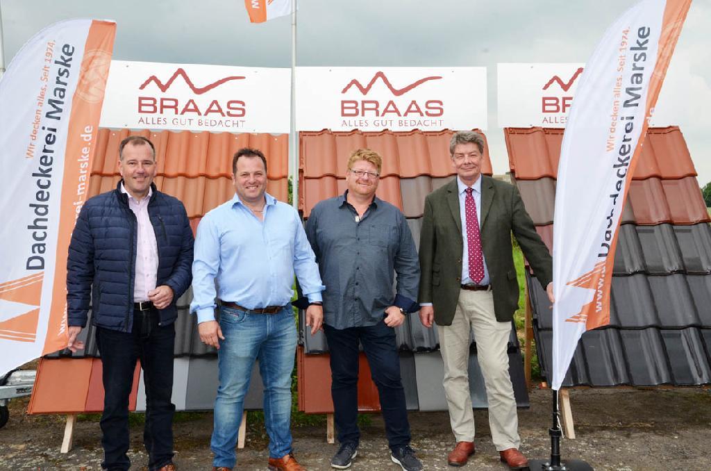 V.l. Ortsbürgermeister Christian Striese, Dirk Marske, Peter Marske und WIS-Geschäftsführer Thomas Wetzel.