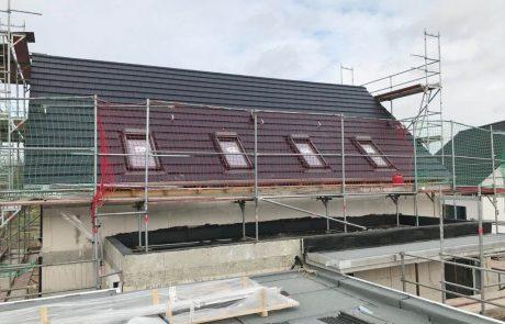 Neubau Einfamilienhaus mit vier Dachflächenfenstern